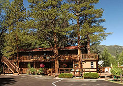 Click here to vist the 4 Seasons Inn Website.